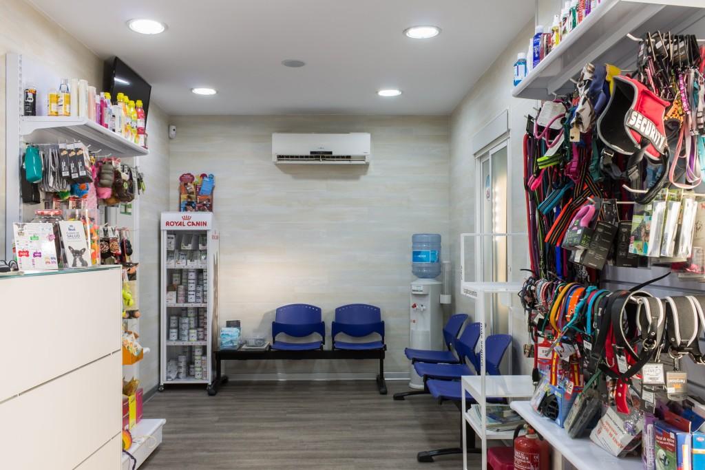 Sala de espera Clínica Veterinaria Dr.Galacho